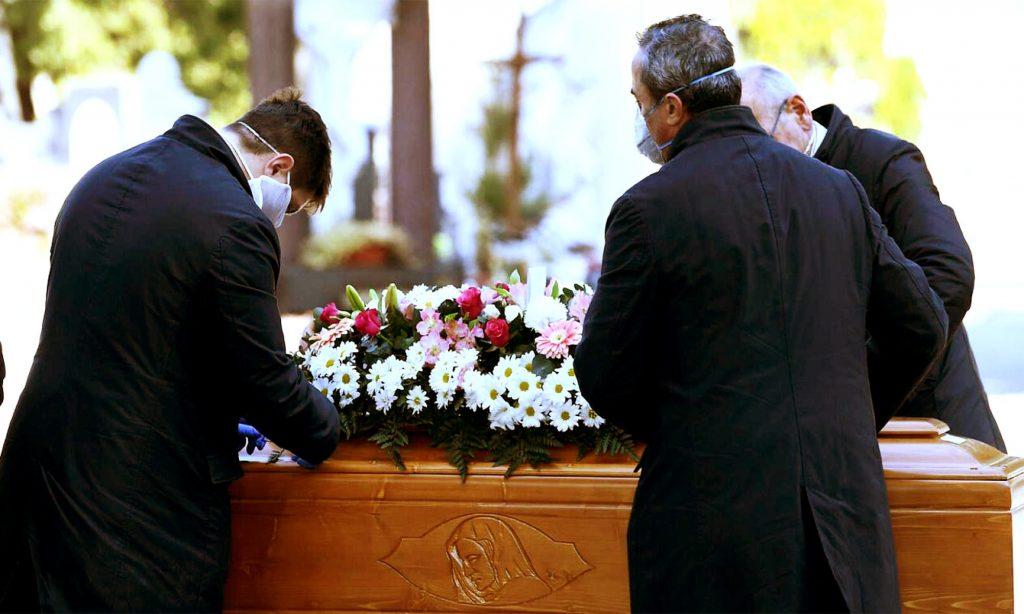 Entierros funerarios en Lima